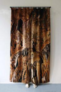 ©-Pierre-Ardouvin-La-nuit-nest-pas-finie-2017-6-oeuvres-Impression-sur-velours-moulages-Oeuvre-produite-pour-l expo Labanque